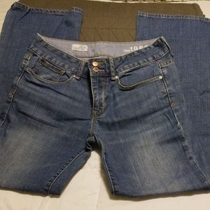 Gap mid rise, perfect boot light blue jeans